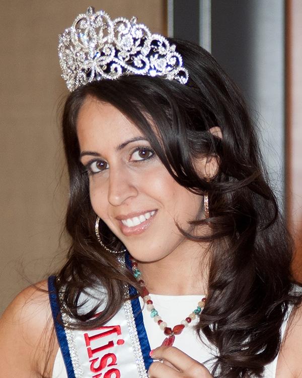 Suzann Aslam || Miss Arab 2012